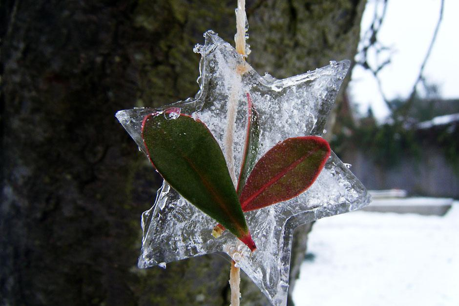 Make mobiles out of ice